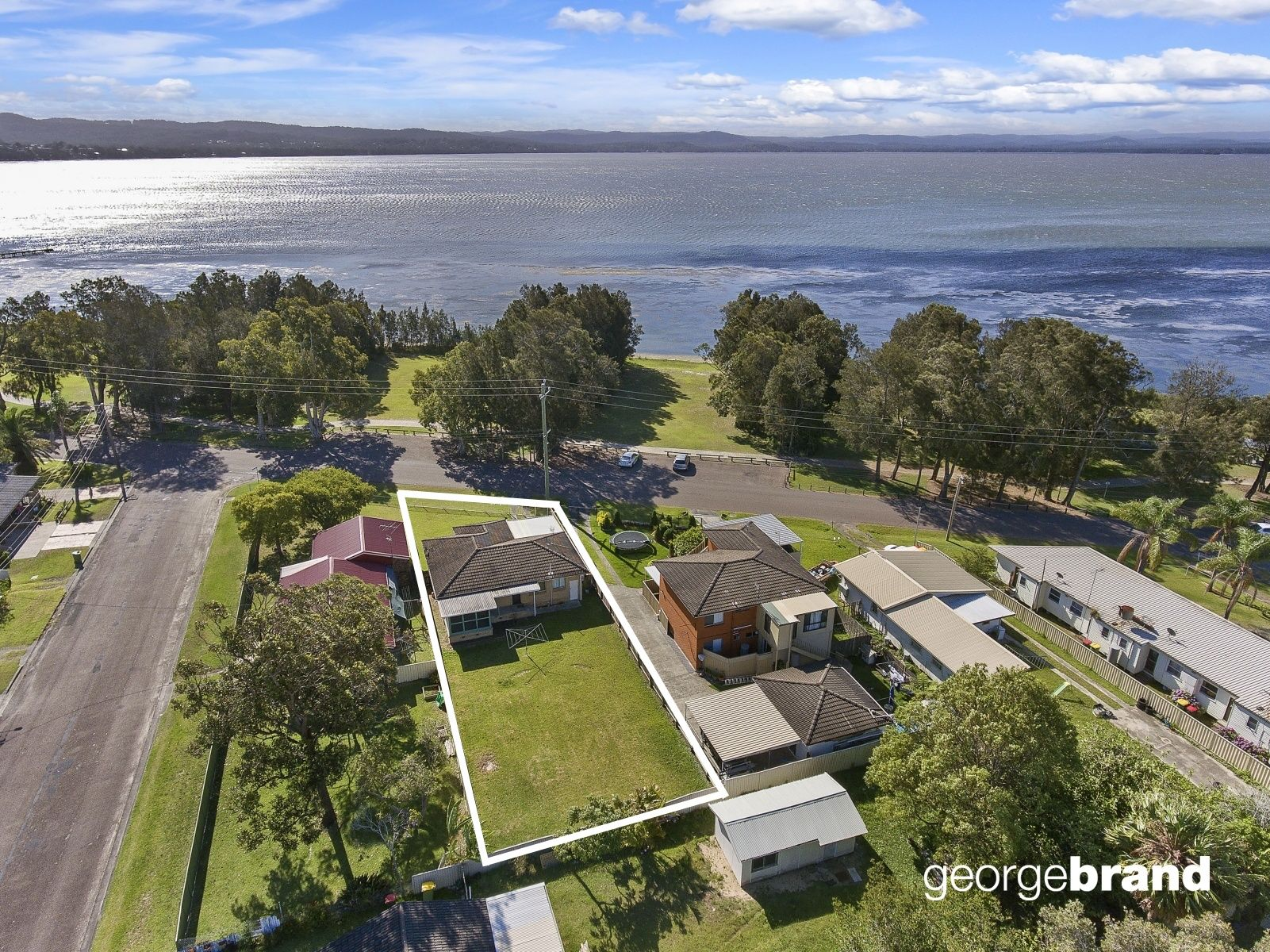 Long Jetty Real Estate: Lakefront Location with Beautiful Water Views + Outlook