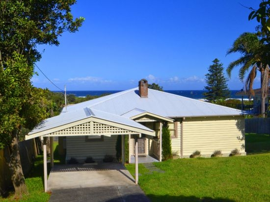 Wamberal Real Estate: REMEMBRANCE COTTAGE