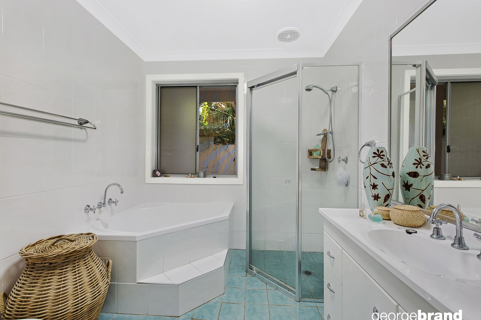 Terrigal Real Estate: Large Townhouse, Great Location
