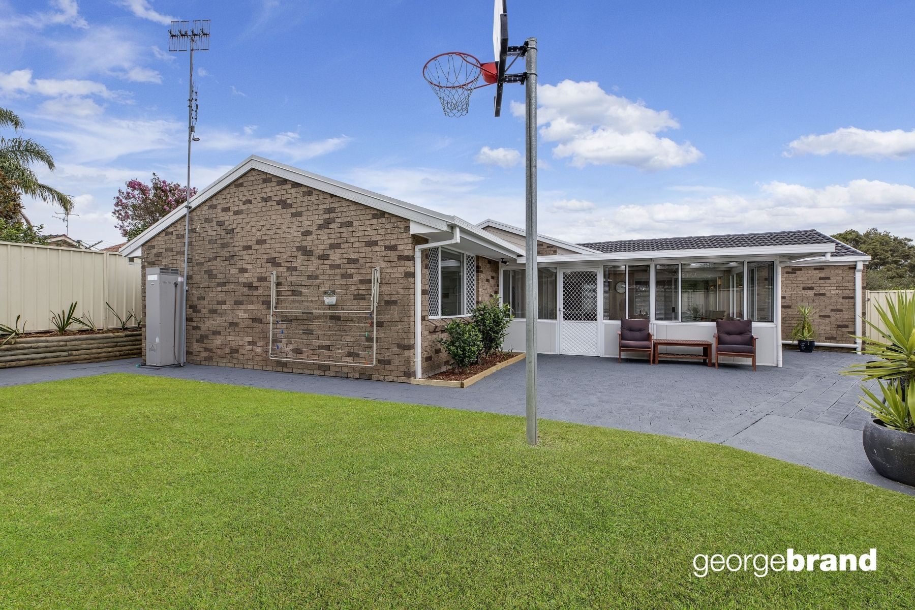 Bateau Bay Real Estate: Single Level Living with Fluid Living Zones + Abundant Natural Light