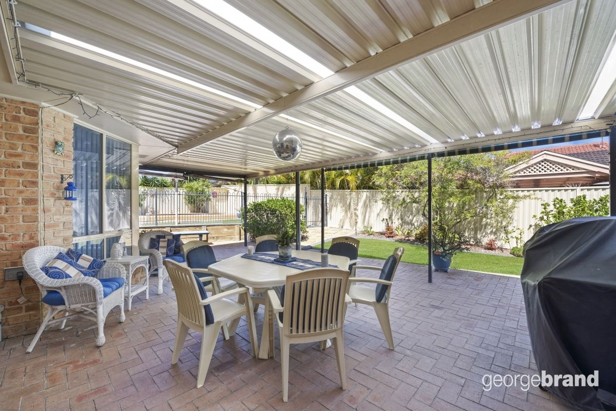 Hamlyn Terrace Real Estate: Spacious Family Entertainer