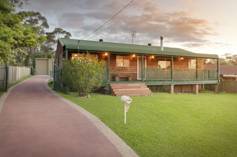 Wyee Real Estate: Lovely country cottage with huge workshop, side access and sparkling pool..
