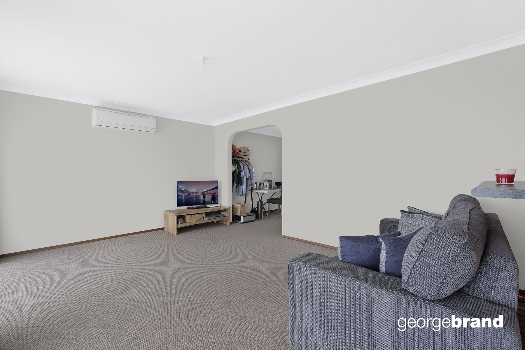Bateau Bay Real Estate: RELAXED SINGLE LEVEL LIVING