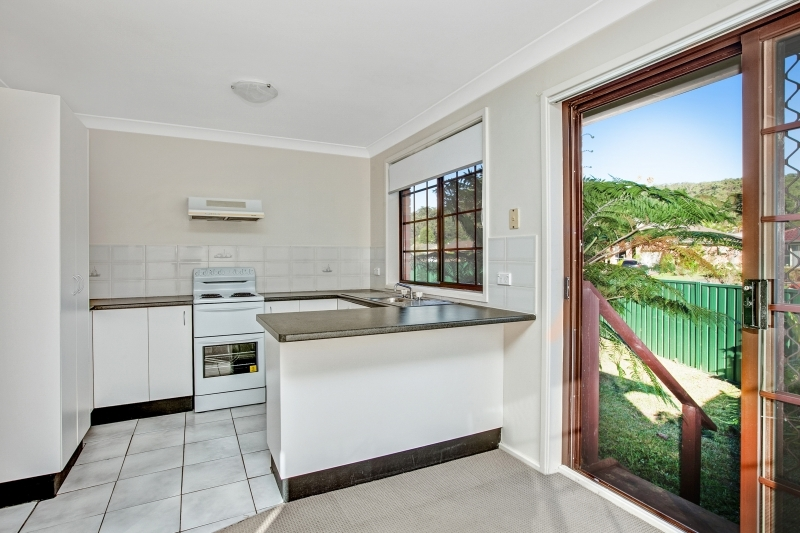green kitchen guttenberg green point house villa of convenience sold for 440 000 1413