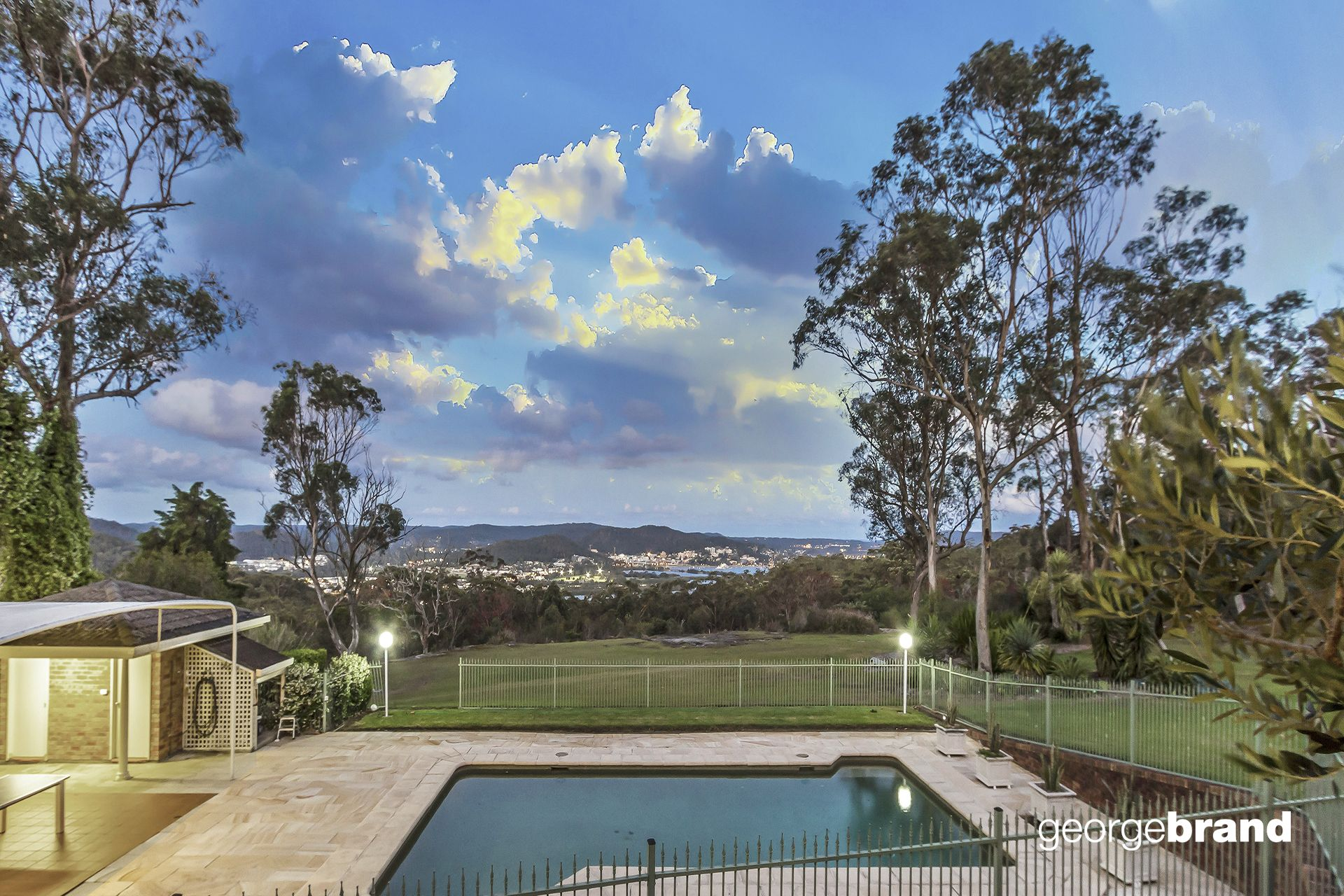 Kariong Real Estate: AMAZING FAMILY RETREAT ON 1.2 HA!