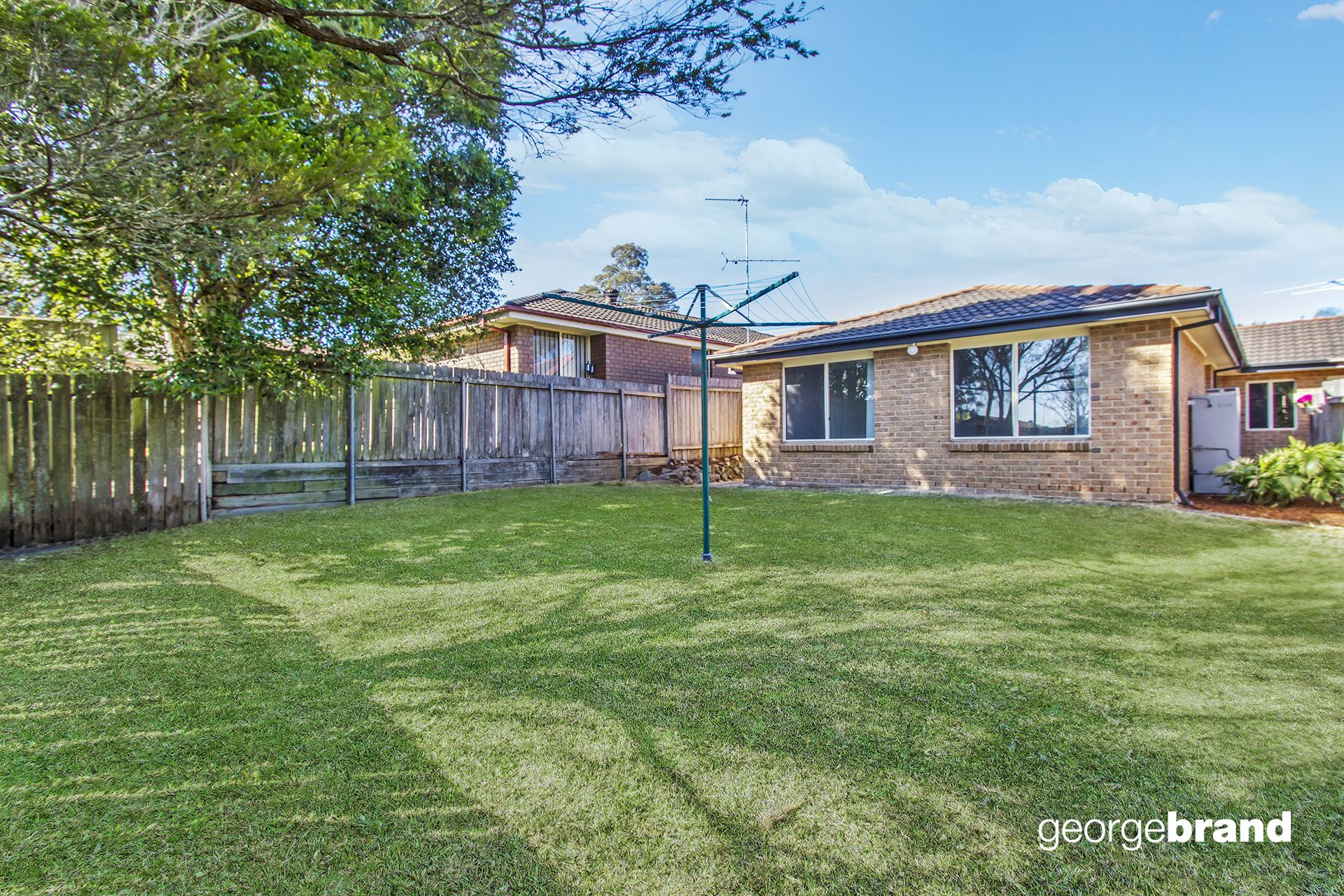 Kariong Real Estate: TORRENS TITLE DUPLEX - LOOK NO FURTHER!