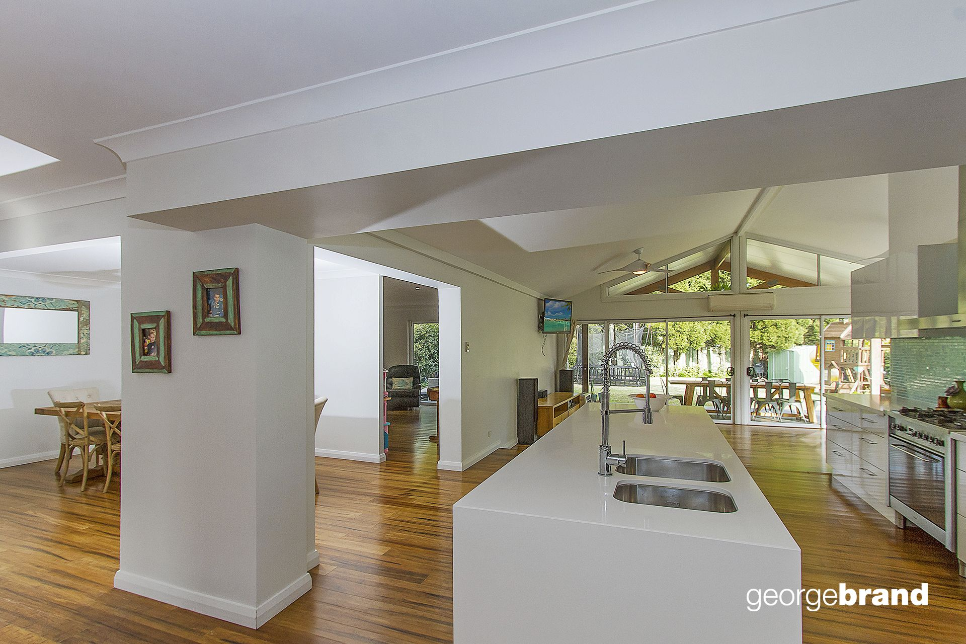 Kariong Real Estate: QUALITY, STYLE & SPACE!