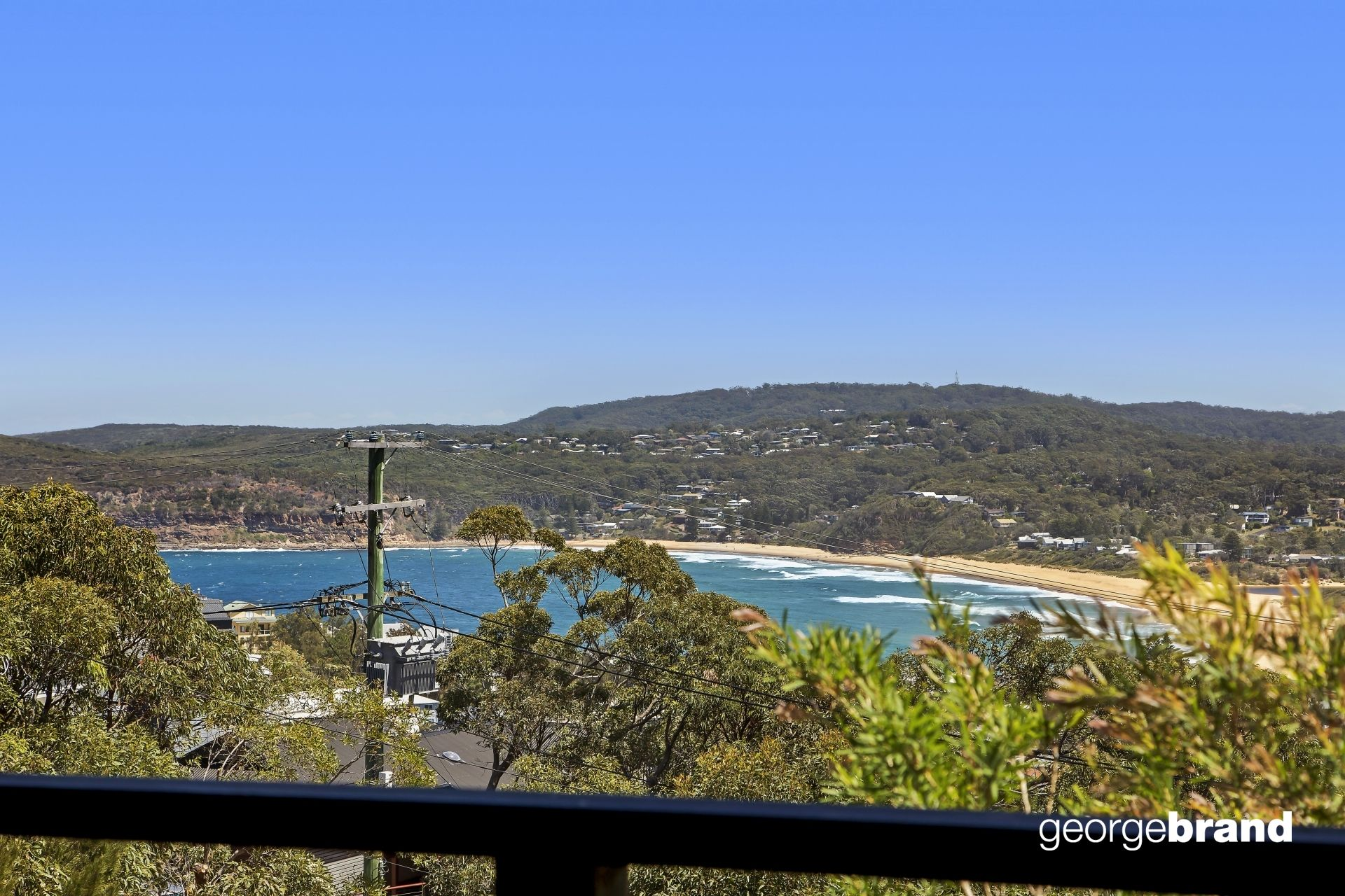 Copacabana Real Estate: CATCH THE SUMMER BREEZE