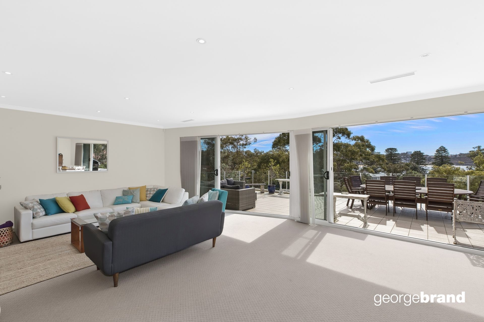 Avoca Beach Real Estate: PENTHOUSE PERFECTION