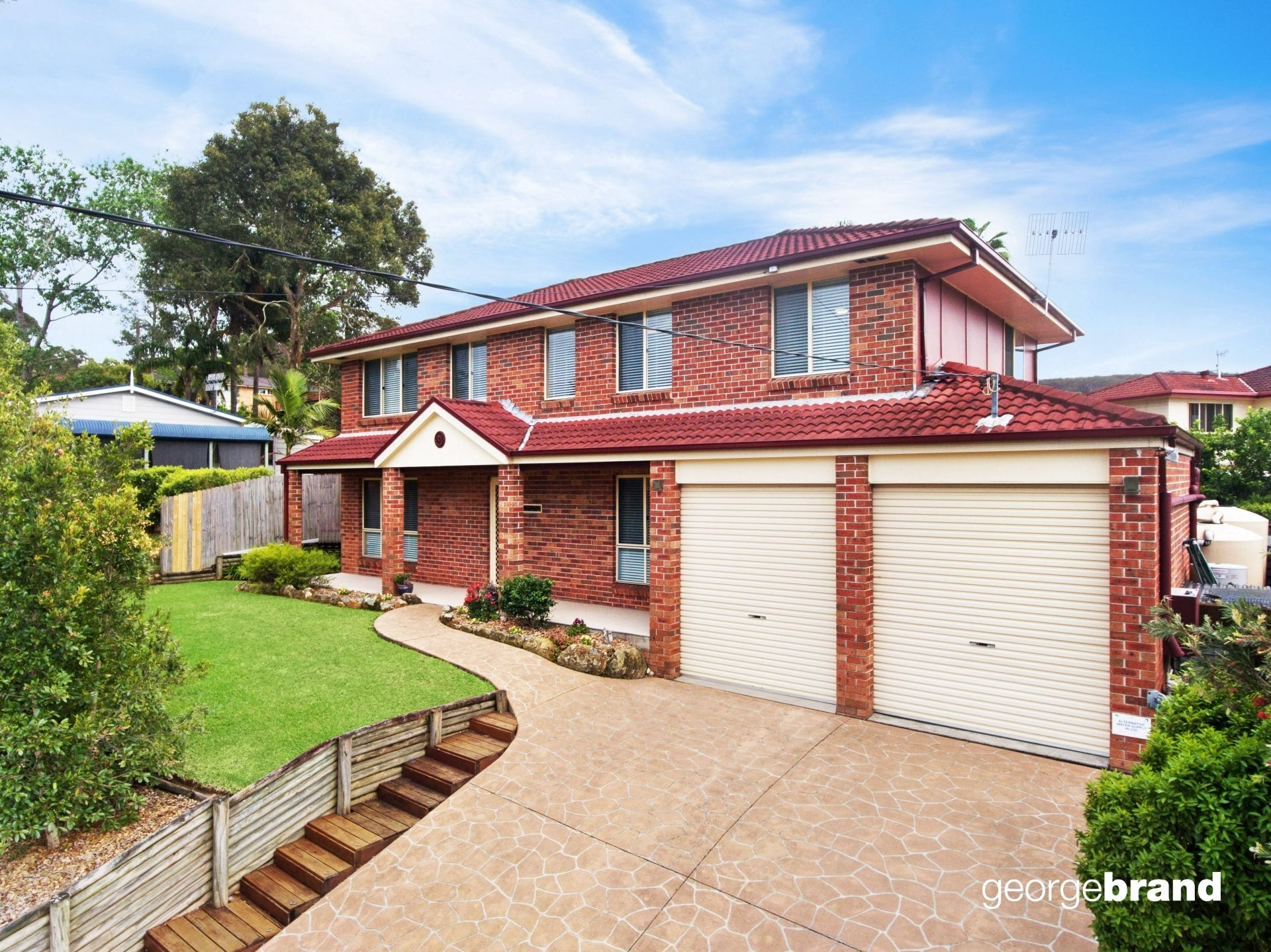 Kincumber Real Estate: SPACIOUS FAMILY HOME WITH MULTIPLE ENTERTAINING AREAS