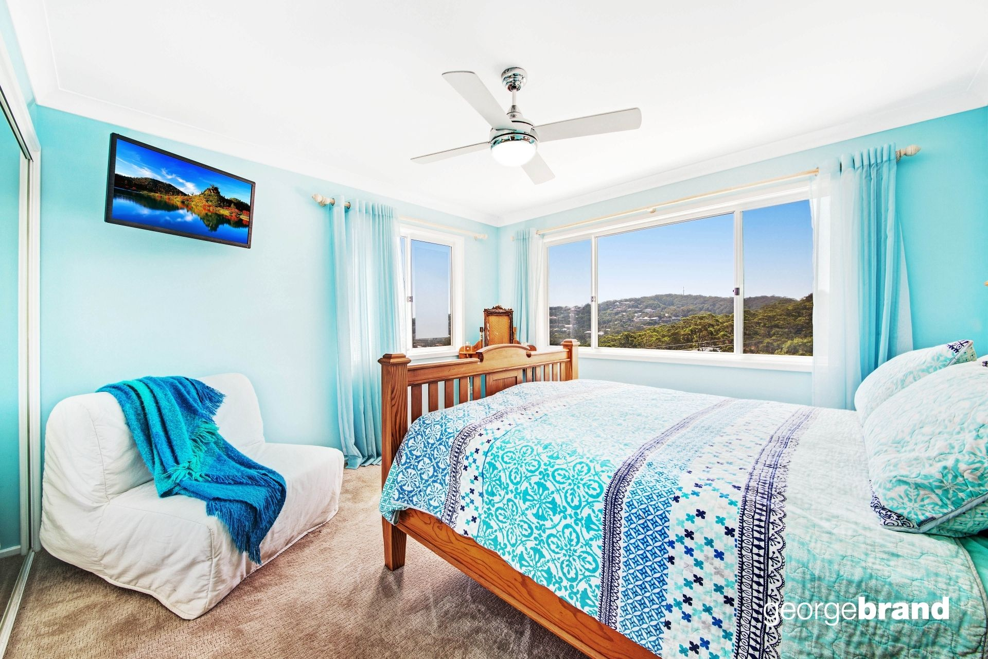Copacabana Real Estate: THE LIGHT, BRIGHT, BEAUTIFUL BEACH HOUSE