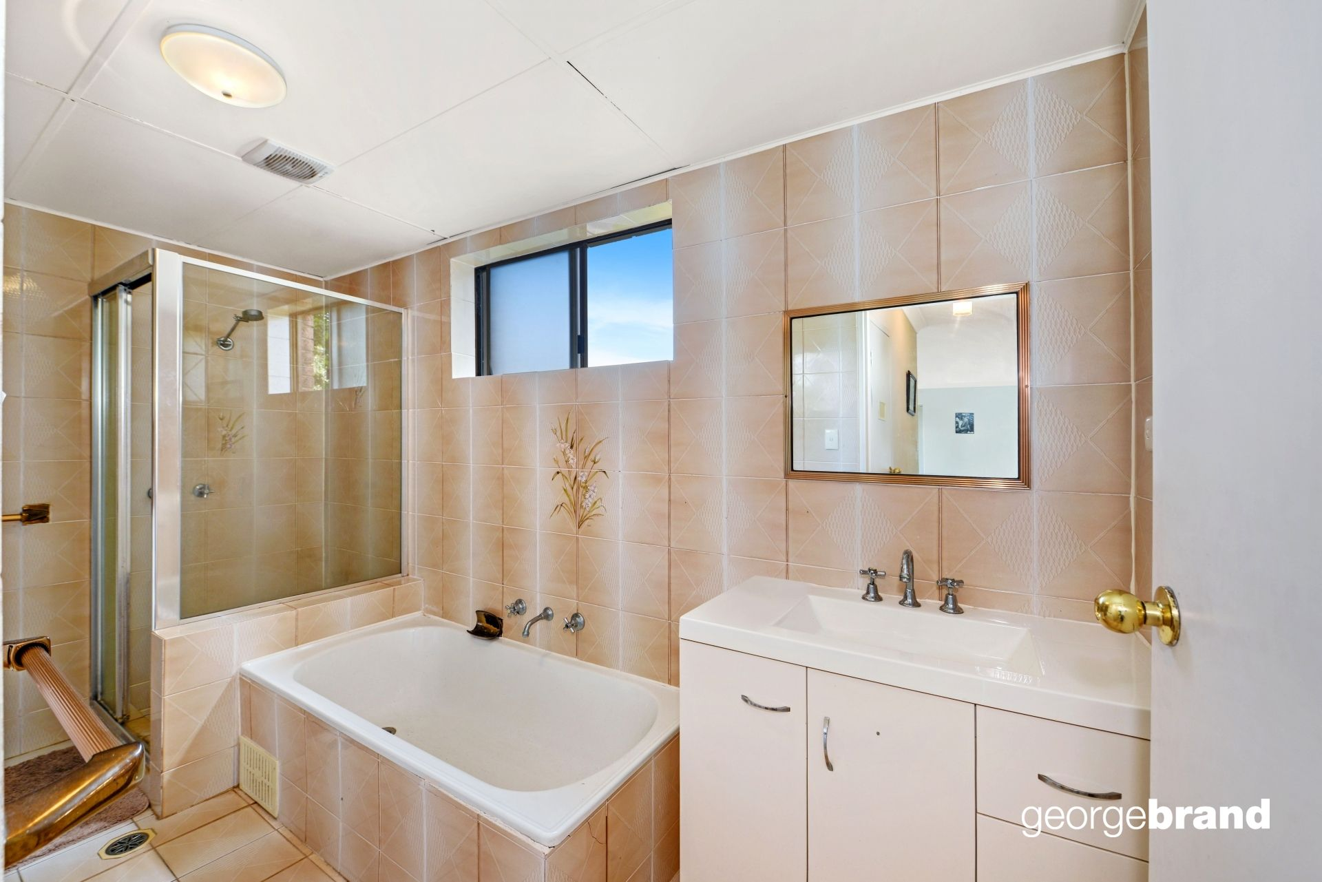 Terrigal Real Estate: 2 Weeks Rent Free For Right Tenant!