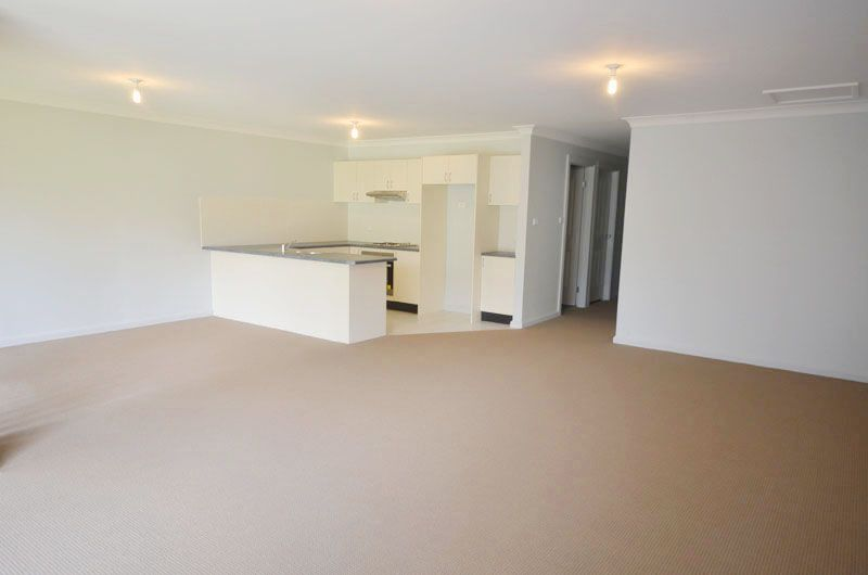 Bateau Bay Real Estate: Immaculate Townhouse
