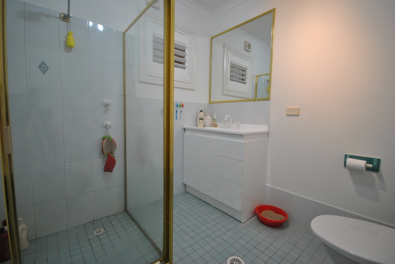 Copacabana Real Estate: Great Downstairs Unit