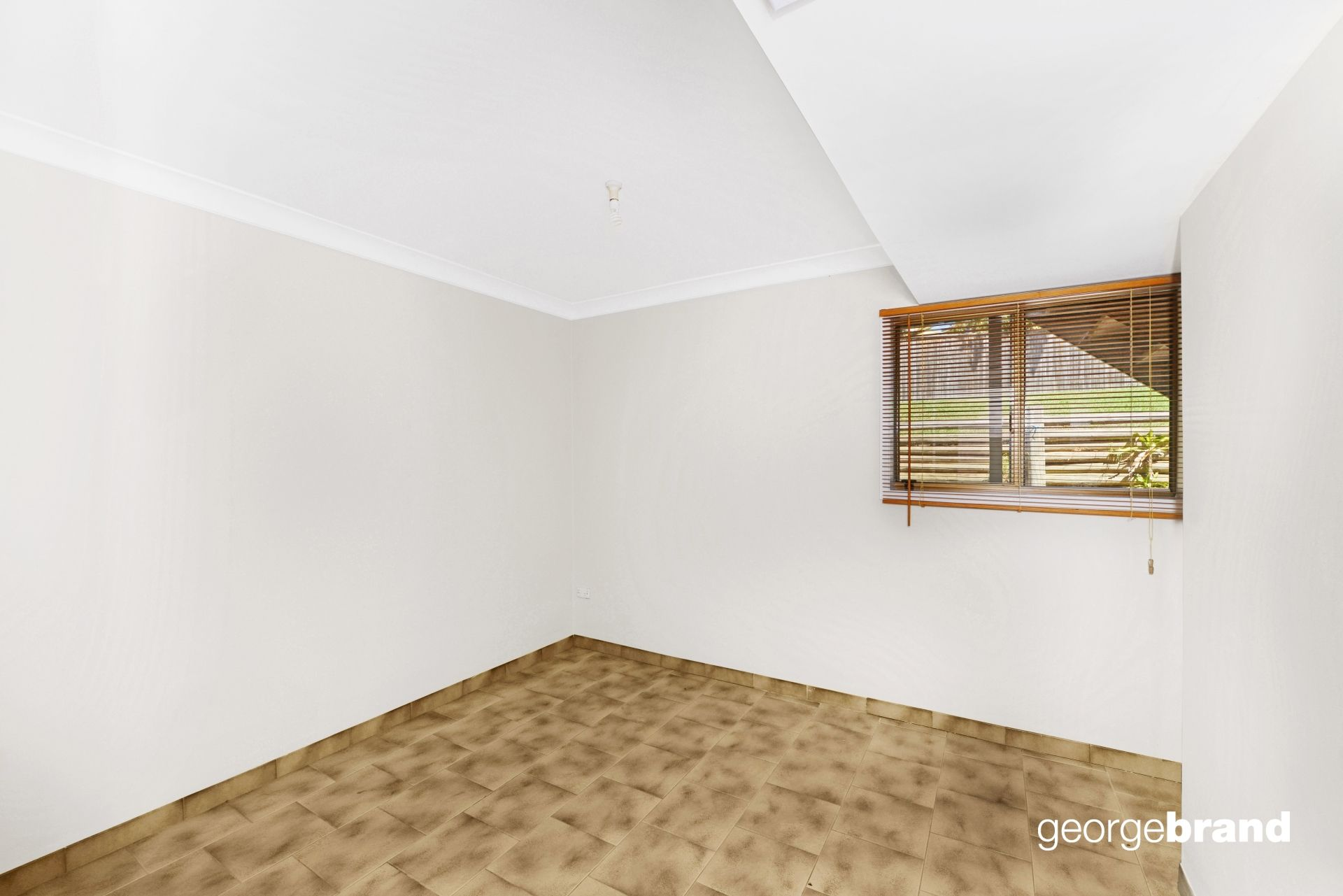 Copacabana Real Estate: Three bedroom downstairs flat